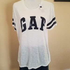 NWT Gap t-shirt. Size XL